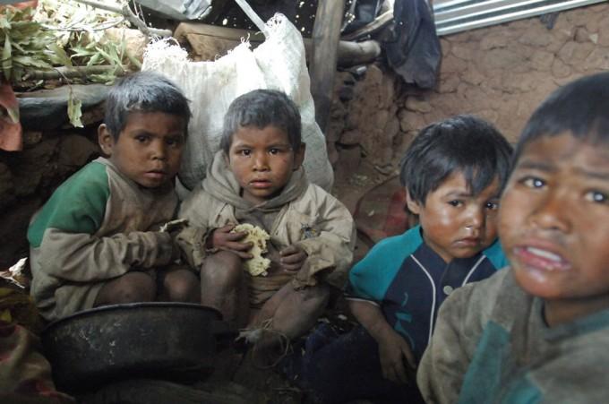 10e7c824e1fb04e096-0470223-pobreza-em-20-d-1024x680