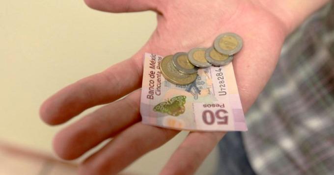 salario-minimo-dinero-peso-devaluacion-economia-mexico