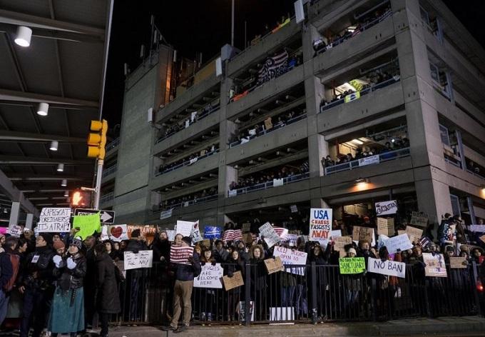 manifestantes-en-el-jfk